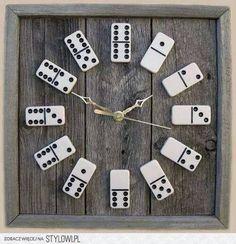 hodiny z domina