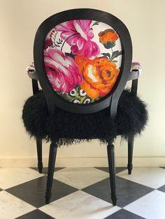 Funky Furniture, Art Furniture, Plywood Furniture, Painted Furniture, Furniture Design, Furniture Movers, Painted Chairs, Funky Chairs, Cool Chairs