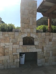We provide the best Australian sandstone wall claddings, stone tiles, pavers & landscape stones, Australian wide delivery. Sandstone Fireplace, Sandstone Wall, Natural Stone Wall, Natural Stones, Feature Wall Design, Garden Design, House Design, Stone Supplier, Wall Cladding
