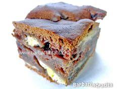 Prajitura cu banane Lasagna, Sandwiches, Ethnic Recipes, Food, Cakes, Banana, Finger Sandwiches, Food Cakes, Meal