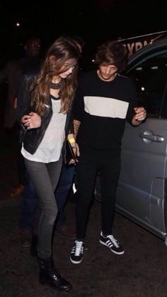 Eleanor and Louis leaving Niall's birthday party  09/06/2014