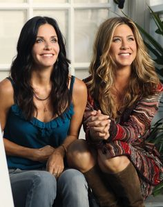 'Cougar Town'  Courtney Cox & guest star Jennifer Aniston