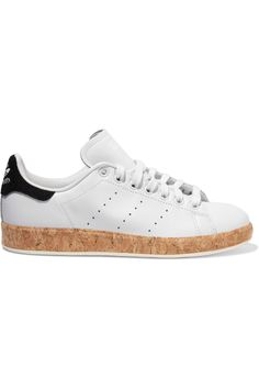 ADIDAS ORIGINALS Stan Smith Luxe cork-trimmed leather sneakers  €119.25 https://www.net-a-porter.com/product/650171