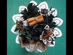 Gewürz-Strauß #Duftstrauß #Gewürzstrauß #Gewürze #Zimt #Nelken #Arnis #Wacholder #Raumduft #Küche Wreaths, Halloween, Cinnamon, Christmas, Deco, Crafting, Door Wreaths, Deco Mesh Wreaths, Floral Arrangements