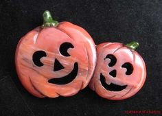 Carved Bakelite Marbled Orange Jack O Lanterns Pin