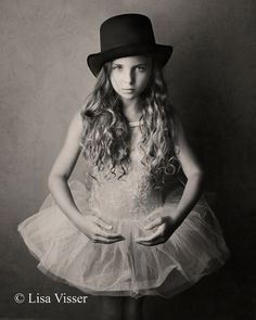 Lisa Visser Fine Art Photography Love the hat and ballerina outfit! Children Photography, Fine Art Photography, Portrait Photography, Black And White Portraits, Black And White Photography, Ballerina Poses, Kid Poses, Just Dance, Girl Fashion