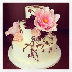 Loving the gigantic tree peonies on this wedding cake. Oh, yeah, and the ganache piping. Delicious!!! Photo by Sugar Flower Cake Shop. www.sugarflowercakeshop.com