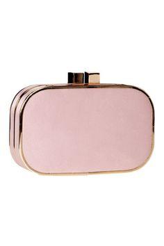 Clutch en color rosa empolvado para completar un outfit de boda, de Accessorize. Bridal Clutch, Wedding Clutch, My Style Bags, Cute Bags, Beautiful Bags, Clutch Purse, Evening Bags, Glamour, Bag Accessories