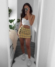 Stunning Summer Outfits With Mini Skirt You Would Love To Try This Summer; Summer Outfits With Mini Skirt; Stunning Summer Outfits With Mini Skirt; Mini Skirt For Summer; Club Outfits For Women, Mode Outfits, Stylish Outfits, Clothes For Women, Look Fashion, Teen Fashion, Fashion Outfits, Fashion Ideas, Fashion Pics