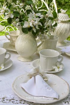 Aiken House & Gardens: A White Garden Tea