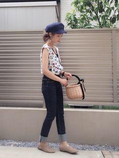 花柄ブラウスをデニムでカジュアルダウン☺️ この帽子可愛い 見て頂きありがとうございます✨