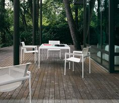 1966 Outdoor Collection, designed by Richard Schultz for Knoll.