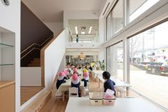 Image 1 of 16 from gallery of COBY Kindergarten / Tsushima Design Studio. Photograph by Masao Nishikawa Kindergarten Interior, Kindergarten Design, School Architecture, Interior Architecture, Interior Design, Children's Clinic, Kids Library, Study Rooms, Learning Spaces