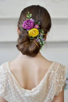 Purple yellow flower comb floral hair piece back Floral #bridehair #flowercomb #bridalheadpiece #floralcomb #purpleyellowwedding #weddings #bridal #bride #prom #flowergirl
