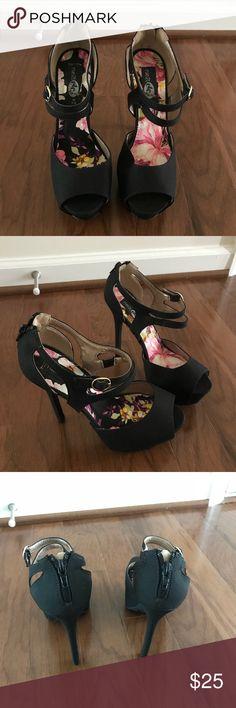 Rue 21 high heel shoes! Worn once, 5inch heel. Size M 7/8 Rue 21 Shoes Heels