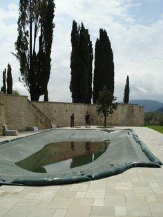 pavimentazione piscina in lastre di calcare virens  http://www.pulchria.it/index.php/photo/piscine#nanogallery/nanoGallery/6068460774364521313/6068460830300783538