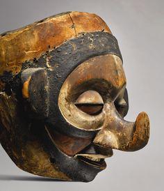 Yaka Kholuka Mask, DR Congo