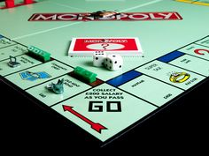 Monopoly is one of my favorite board games. I used to play it often with my family in the PC version. People should play it too. Monopoly Board, Monopoly Game, Monopoly Funny, Bizarre Facts, Fun Facts, Moving To The Uk, Application Mobile, Classic Board Games, Drinking Games