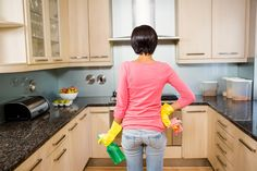 3 Mind Tricks that Will Get You Going on a Big Clean—Without Realizing It