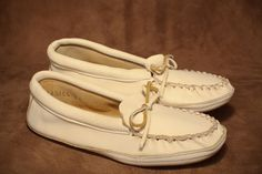 Deerskin moccasin with a leather sole. This style comes in cream, pink, black, and brown. #leather #Canada #handmade #rockwood #ontario #like #daily #fashion #hidesinhand #deerskin #moccasin #leather #sole