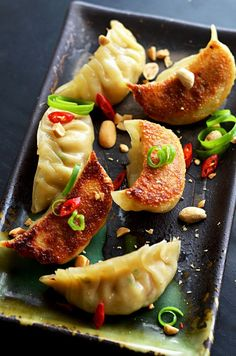 Pad Thai Potstickers. via hostthetoast.com