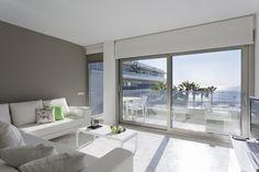 SAINT MARTIN   La tranquilidad que se respira en este apartamento de 102m2 es comparable al relax que transmiten las fantásticas vistas de sus dormitorios y de su amplia terraza de 20m2. Lo disfrutarás de verdad. #ibiza #ibizaluxury #luxury #apartments