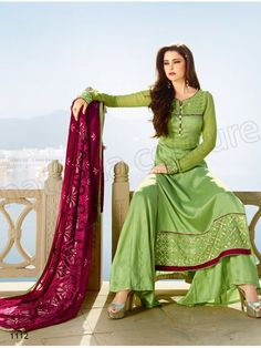 #Designer Staright Suits#Green Semi Georgette & Tussar Silk Designer Suit#Indian Wear#Desi Fashion #Natasha Couture#Indian Ethnic Wear# Salwar Kameez#Indian Suit#Pakastani Suits# Palazoo