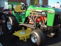 John Deere Owner Always Gets the Girls John Deere Garden Tractors, Yard Tractors, Lawn Mower Tractor, Small Tractors, Antique Tractors, Vintage Tractors, Garden Tractor Pulling, Riding Mower, Go Kart