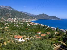 Panoramic View of the town of Tyros in Peloponnese Greece. Places To Travel, Greece, Dolores Park, Spaces, Vacation, Mountains, Country, Beach, Pictures