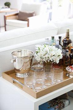Muita luz e contraste de cor sobre branco em apartamento de 250 m² no Morumbi - Casa e Decoração - UOL Mulher