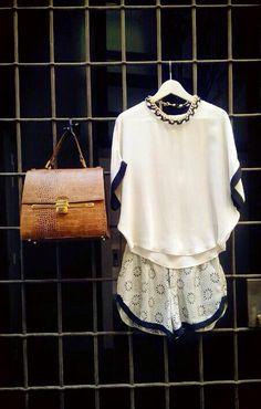 Blusa y short Argot & Margot + bolso cofre The Code  + collar Renew www.therenewstore.com