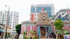 An Hindu shrine called Sri Veeramakaliamman on Serangoon road is one outstanding temple among the crowd. With its really bright and colourful colours, attracted my eyes from far away. ///// singapore, serangood road 2016 /////