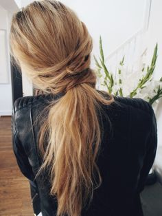 The perfect loose ponytail.