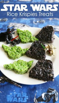 These are awesome! Star Wars Rice Krispies Treats via @ MomEngeavors #starwars #easytreats