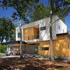 Tree House by Matt Fajkus Architecture is a light-filled family home in Texas. The Tree House by Matt Fajkus Architecture is a light-filled family home in Texas Style At Home, Modern Style Homes, Houses In Austin, Austin Homes, Austin Texas, Texas Usa, Architecture Design, Modern Tree House, Japanese Style House