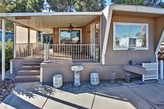 Very Comfortable 2BR Needles Home in Verde Shores Estates w/Private Porch & Nice Views - Short Walk to Private Beach Access on the CO River! Near Golf, Dining & More #travel #california