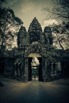 Angkor Wat 2012 by Stefan Olivier, via Behance