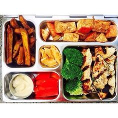 Grilled chicken goodness brought to you by @kidslunchboxrevolution!  #planetbox #lunchbox #teamplanetbox #planetboxlunch #lunchboxlove #schoollunch #healthykids #school #food #kids #kidslunch #lunch #lunchinspo #instafood #nomnom #bento #lunchboxideas #pa