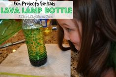 Fast science experiments how to make a lava lamp bottle kids projects lava lamp with oil Elementary Science Fair Projects, Science Fair Experiments, Easy Science, Science Toys, Science Party, Skittles Experiment, Make A Lava Lamp, Science Projects For Kids, Science Ideas