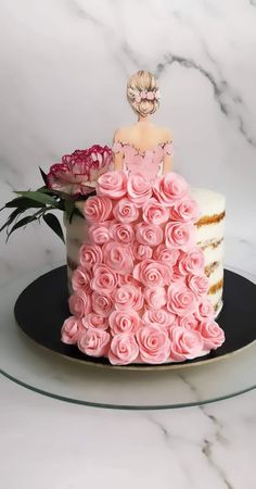 Cake Decorating Frosting, Creative Cake Decorating, Cake Decorating Videos, Cake Decorating Techniques, Creative Cakes, Elegant Birthday Cakes, Beautiful Birthday Cakes, Beautiful Cakes, Debut Cake