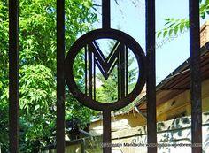 Art Deco gate, Bucharest