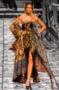 poppies-for-ophelia:  Suneet Varma India Bridal Fashion Week 2013 The Golden Bracelet