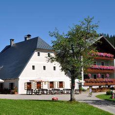 Bauernhof Ablass - Österreichs Wanderdörfer Style At Home, Mansions, House Styles, Home Decor, Campsite, Alps, Hiking, Landscape, Summer