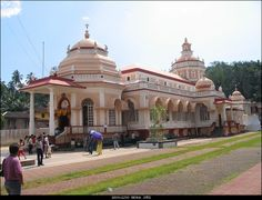 The Mangesh Temple is one of the most famous temples of Goa. It is situated on the Panaji-Ponda road in Priol town. The temple was originally at Cortalem...!!