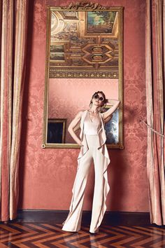Alice + Olivia Fall 2017 Ready-to-Wear Fashion Show Collection ~ETS Alice Olivia, Fashion Week, Fashion 2017, Fashion Trends, High Fashion, Young Fashion, Fashion Lookbook, Runway Fashion, Fashion Ideas