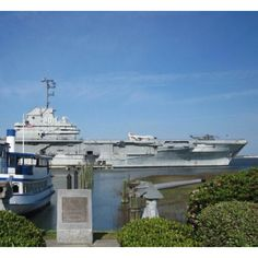 USS Yorktown- Charleston Fun Places To Go, Places Ive Been, Uss Yorktown, Site Visit, Charleston Sc, Marina Bay Sands, Scouts, Trips, Traveling