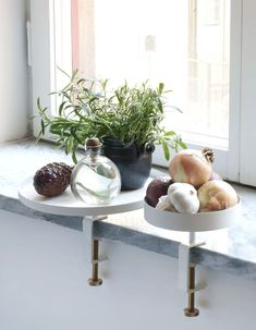 Grey tray/shelf from Navet. Attached with clamp and with a maximum weight of 1 kg. Cocinas Kitchen, Compact Living, Scandinavian Home, Home Decor Styles, Home Decor Uk, Clamp, Decoration, Home And Living, Living Room