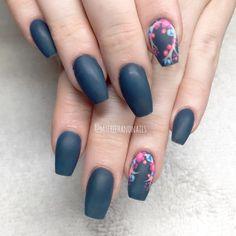 Trend Spotting: Matte Florals - Nailstyle
