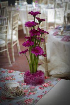 Centro de mesa con gerberas