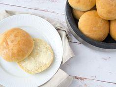 Creme Fraiche, Sour Cream, Food Inspiration, Camembert Cheese, Hamburger, Grilling, Brunch, Veggies, Sweets
